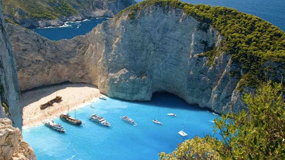 Лучшие пляжи Греции по версии CN Traveller